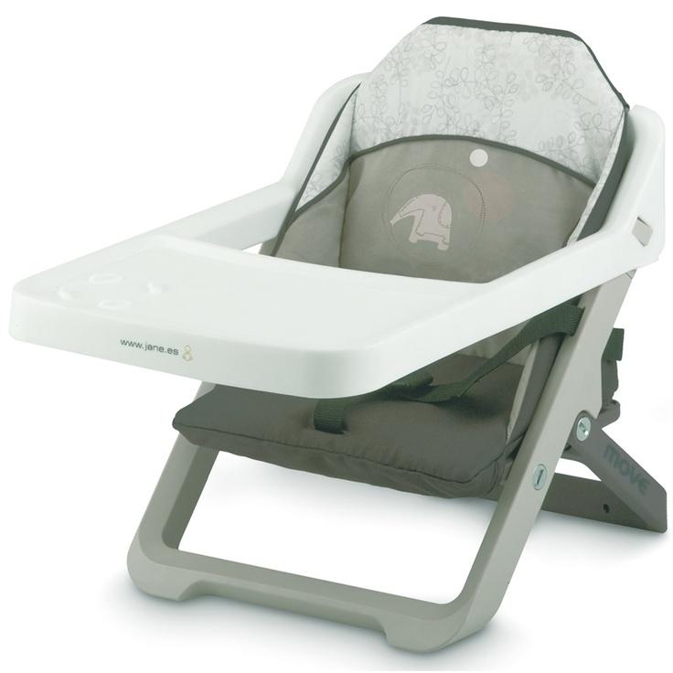 Silla para bebés plegable y convertible en trona, se acopla a la silla del adulto mediante dos correas de sujeción. Incorpora cinturón de seguridad, bandeja y tapizado acolchado extraíbles para facilitar su limpieza. De reducido peso y volumen, incluye bolsa de transporte. Cómprala en: http://www.ninosbebe.com/tienda/Puericultura/Tronas-de-viaje/Trona-viaje-MOVE-P47.html#cont