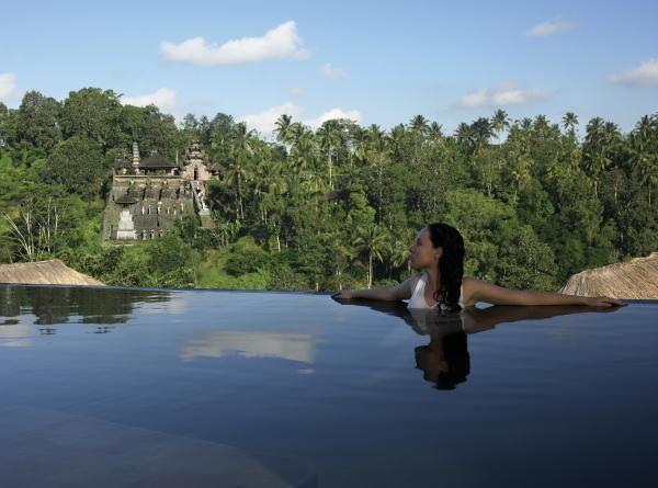 BaliBuckets Lists, Resorts, Ubud Hanging, Places, Gardens Ubud, Luxury Hotels, Infinity Pools, Hanging Gardens, Bali Indonesia