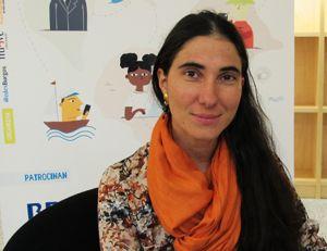 """Yoani Sánchez: """"Internet va a contribuir a la democracia en Cuba, pero no como en la Primavera Árabe"""". Puedes ver la entrevista completa aquí: http://www.muyinteresante.es/tecnologia/articulo/entrevista-a-yoani-sanchez-premio-iredes-en-2011-internet-va-a-contribuir-a-la-democracia-en-cuba-pero-no-como-en-la-primavera-arabe-redes-sociales-5121"""