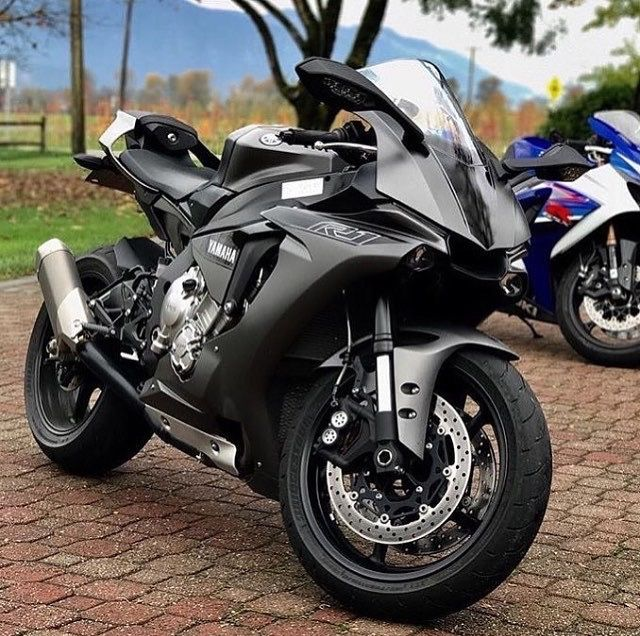 "Yamaha R1. The best, powerful, expensive and fast sportbikes... Do you want to talk about it? <a href=""https://api.whatsapp.com/send?phone=380630431419"">My WhatsApp</a>"