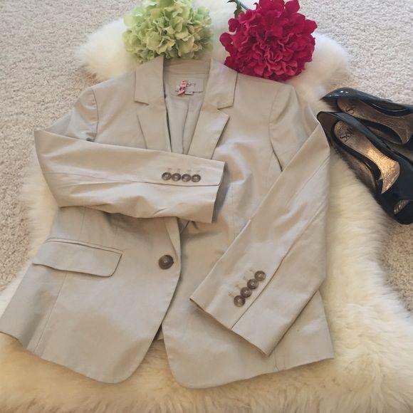 PRICE DROPChic khaki blazer Cute fitted cream blazer LOFT Jackets & Coats Blazers