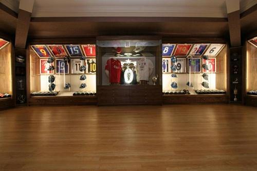 Steven Gerrard House Inside - Luxury Mansion With Back Yard Jacuzzi Design 4