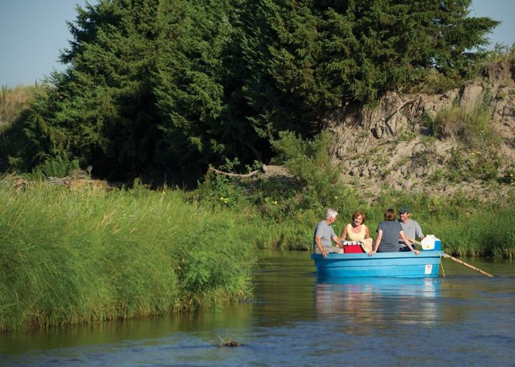 Sandhills motel & Glidden Canoe Rental, Mullen