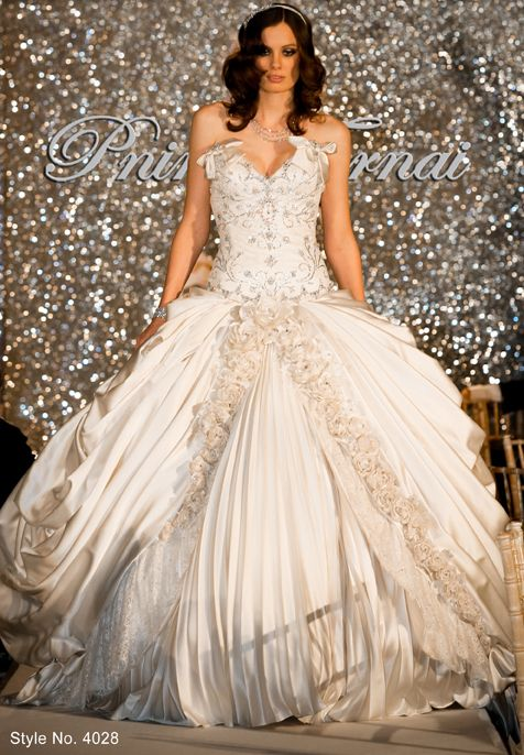 Perfect  best Wedding dresses images on Pinterest Wedding dressses Marriage and Bridal dresses