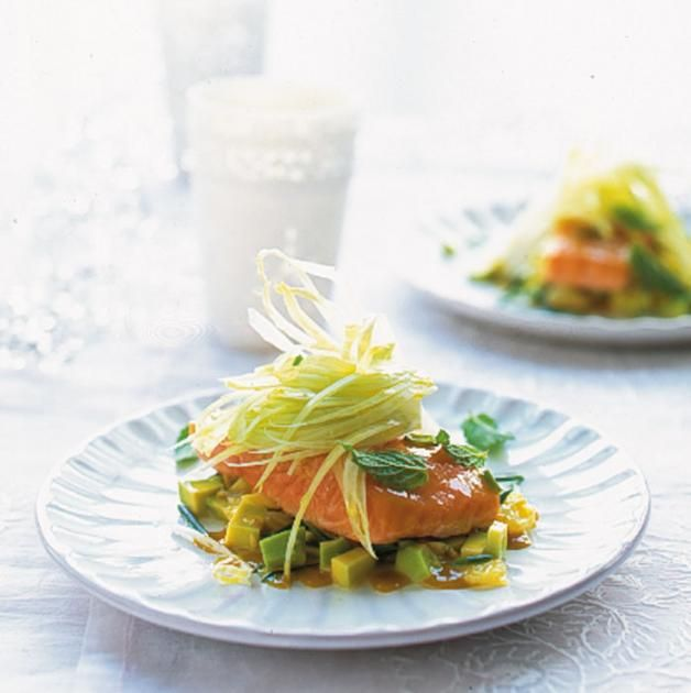 Rezept: Lachsfilet mit Avocadosalsa - [LIVING AT HOME]