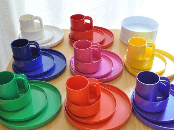 Heller Plastic Dinnerware Set Of 34 Pieces In 2020 Plastic Dinnerware Sets Plastic Dinnerware