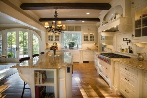 great kitchen, love the beams, and the built in shelves for recipe books, I need that!!!