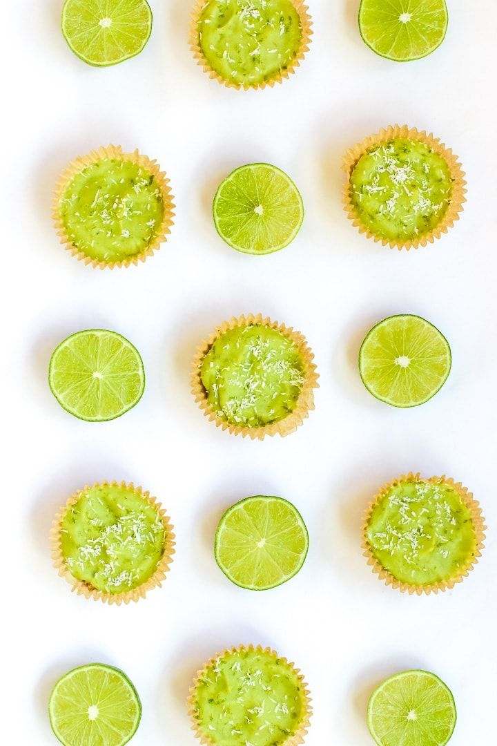 Avocado Lime Filling And A Nut Oat Crust Come Together In These Adorable Little Vegan Key Lime Pie Mini Tarts In 2020 Vegan Key Lime Vegan Key Lime Pie Key Lime Pie