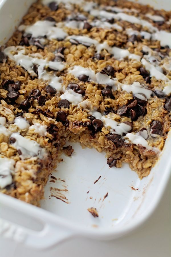 Baked Chocolate Chip Cookie Oatmeal! This is my favorite breakfast! Honestly tastes like a cookie for less than 250 calories per HUGE slice!
