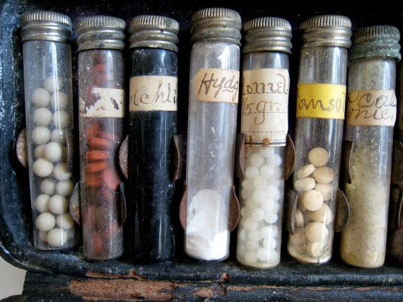 A Victorian Doctors Leather Medicine Case, 1880