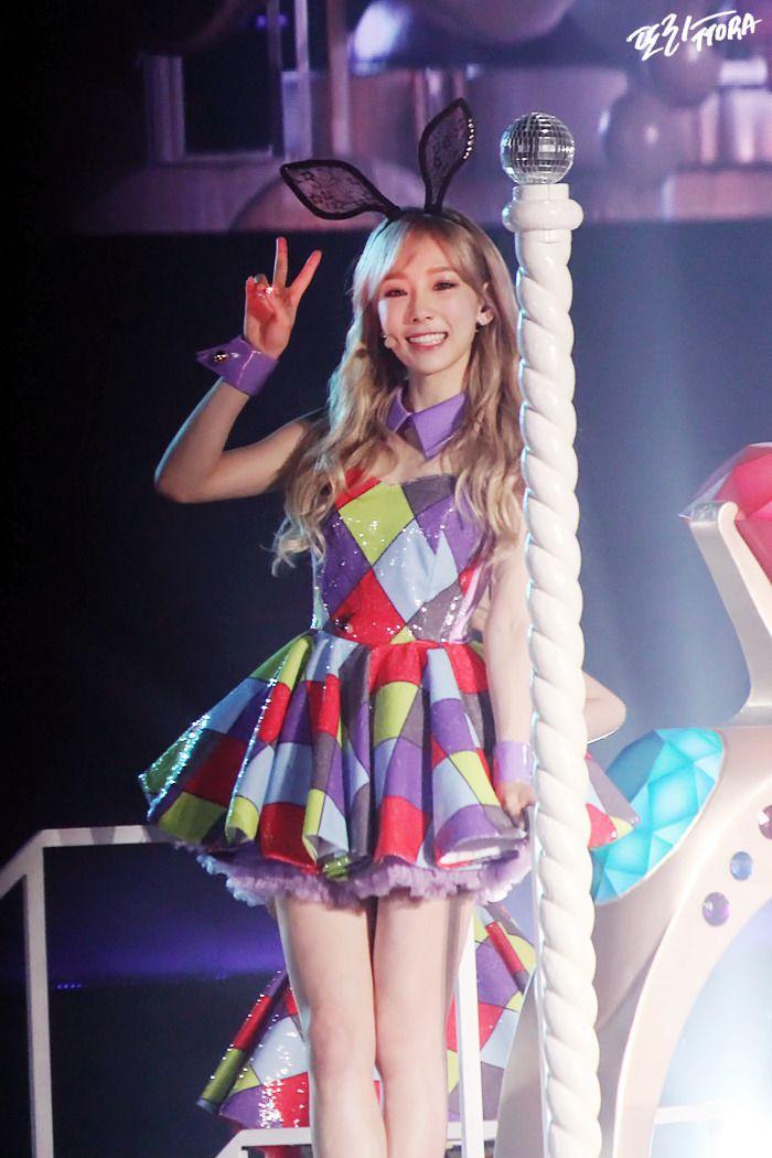 このドレス、可愛すぎ ❥ ファンタジーなテヨン - Taeyeon Candy News ☺ Snsd