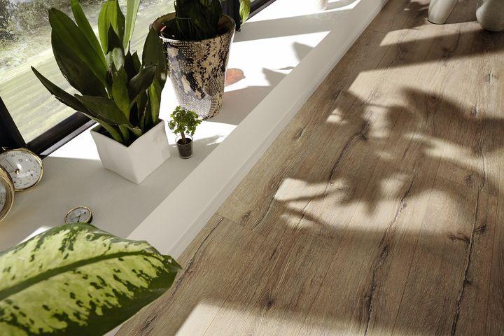 Sol Stratifie Premium Ld300 25 Melango De Chez Meister Lames Longues De 2m Et Large De 24cm Decor Chene Fiss Sol Stratifie Terrasse Bois Stratifie