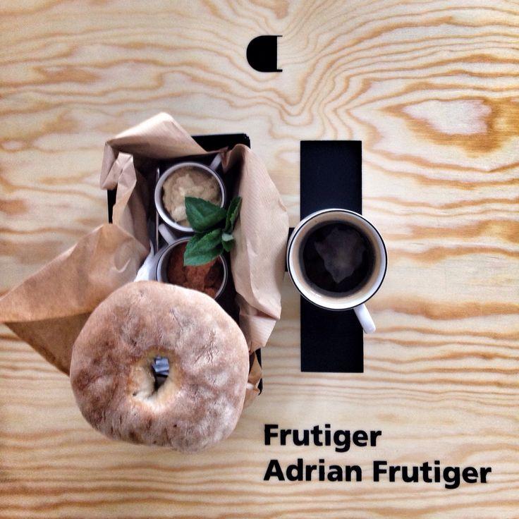 #coffee #specialitycoffee #thirdwavecoffee #gdansk #drukarniacafe #mariacka36 #3miasto #trojmiasto #poland #caffeine #barista #coffeelover #coffeetime #coffeebreak #drukarnia #typo #interior #design #dizajn #zaprojektowanewgdansku #drip #chemex #syfon #food #frutiger