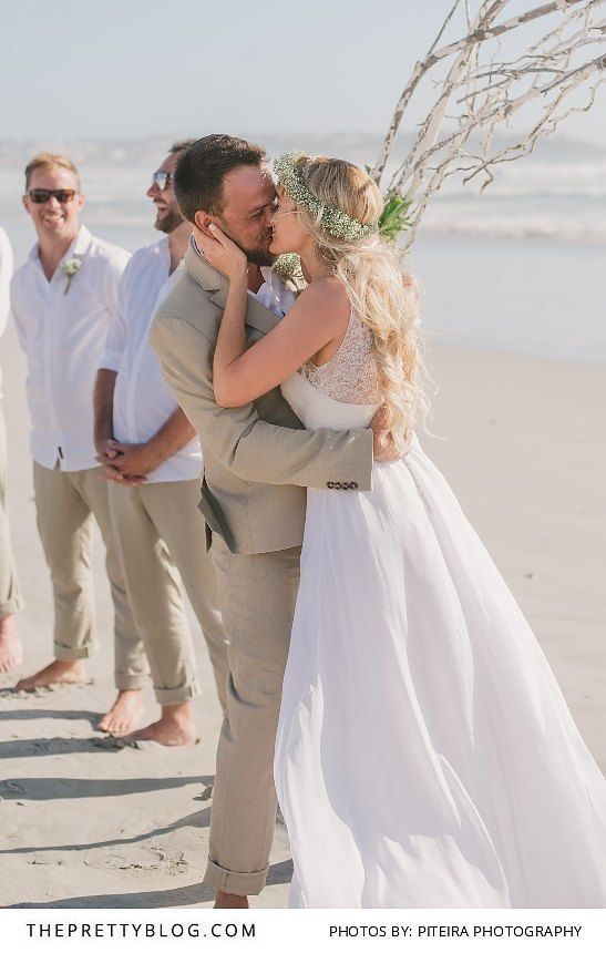 Laid Back Beach Wedding | Photograph by Piteira Photography http://www.theprettyblog.com/wedding/laid-back-beach-wedding/