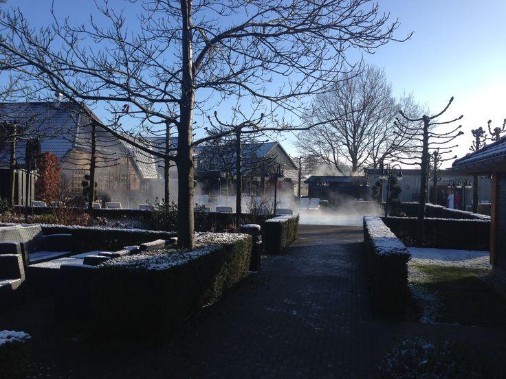 Tijdens de koude winterdagen is het extra genieten bij de Zwaluwhoeve van de heerlijke warme baden en sauna's.