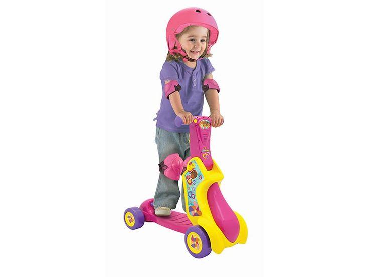 Primi Passi Scooter Little People 2 in 1 utilizzabile come cavalcabile e anche come monopattino. Aiuta il bambino a sviluppare il senso dell'equilibrio mentre si diverte a esplorare il mondo. Vieni a scoprirlo sul nostro sito. Distribuito in esclusiva da Real Baby Distribuzione.