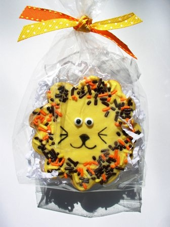 lion cookies - but with red/black mane, more simplified face (black)