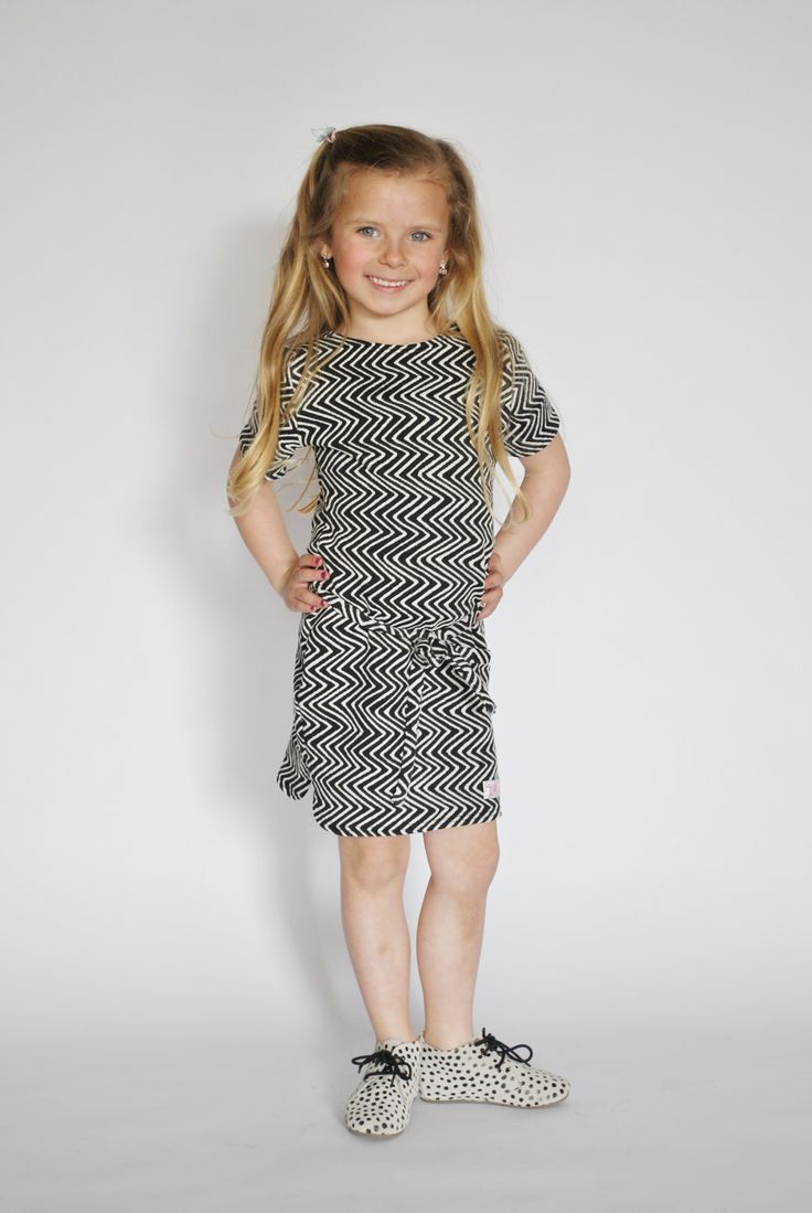 Review: Jenna in de Magnificent dress van Mu-Chica