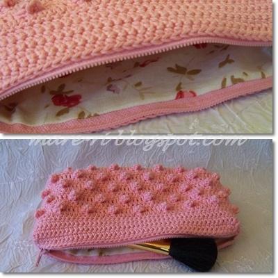 Crochet make-up clutch