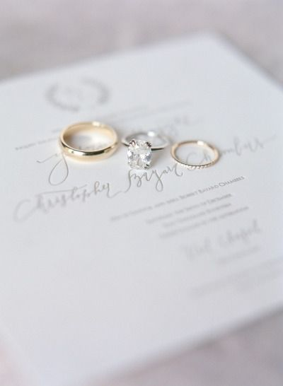 Glamorous rings: http://www.stylemepretty.com/little-black-book-blog/2015/03/17/snowy-elegance-at-the-sonnenalp-hotel/ | Photography: Laura Murray - http://lauramurrayphotography.com/
