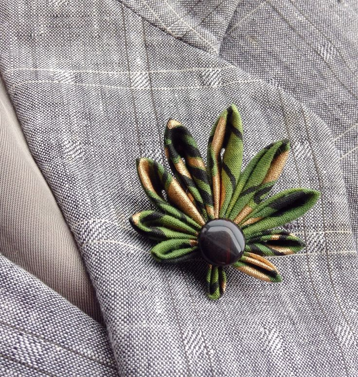 Mens Lapel Pin Cannabis Leaf Marijuana Pot Leaf Ganja Weed Custom Lapel Pins Men Green Boutonniere Kanzashi Pin Gifts For Men African Cotton by exquisitelapel on Etsy https://www.etsy.com/listing/471357181/mens-lapel-pin-cannabis-leaf-marijuana