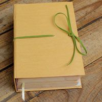 Aprende a revivir tus libro en nuestro taller de restauración del libro www.mundoelarte.cl