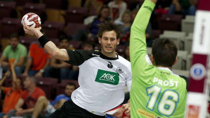 Uwe Gernsheimer war ein Garant für den deutschen Erfolg gegen Slowenien - Das dt. Team sichert sich durch einen 30:27-Erfolg über Slowenien den Quali-Platz f.d.olympischen Spiele! Well,who prayed lol+not for nothing today(luckily didnt work)  watched the live-ticker+prayed too ;-D http://sportdaten.bild.de/sportdaten/uebersicht/sp6/handball/co541/wm/#sp6,co541,se15709,ro49215,md0,gm0,ma2313027,pe0,to0,te0,ho3412,aw3559,rl0,na4,nb2,nc1,nd1,ne1,jt0,