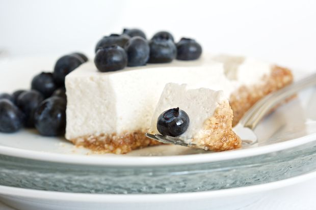 Blueberry Cream Pie - no dairy, no gluten (also blueberries optional; I feel like lemon would work well, or even lime, or strawberries...)