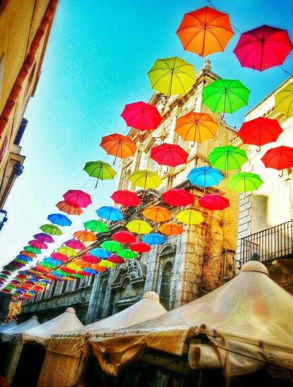 Licata /Agrigento (Sicilia)- installazione d'arte in Corso Vittorio Emanuele. #agrigento #sicilia #sicily