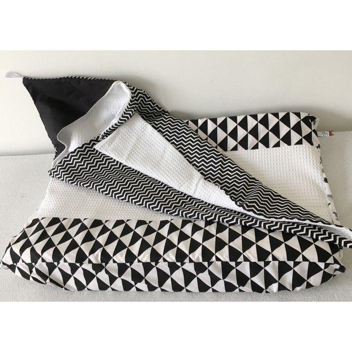 Badcape Wikkeldoek zigzag chevron monochrome zwart wit