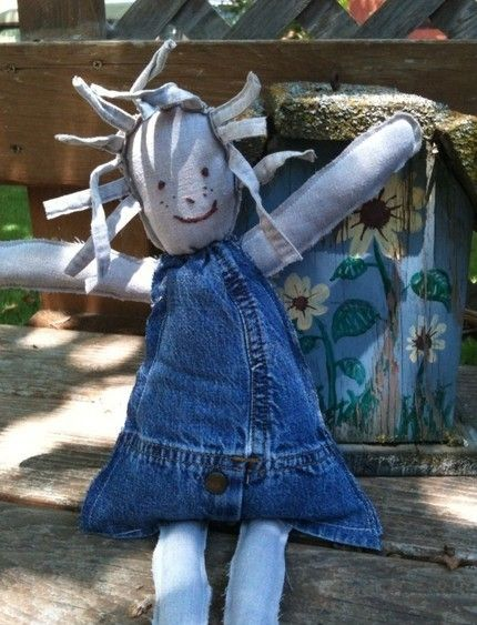 blue jean dolly..Restyling in the extreme ...I just couldn't resist, one of the cutest things to make out of old jeans