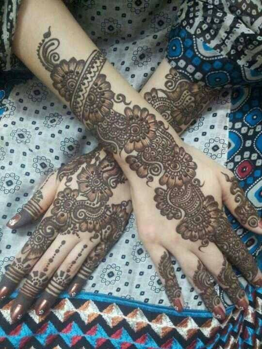 A beautiful inspiring henna design! Mehndi artist unknown so please if you come…