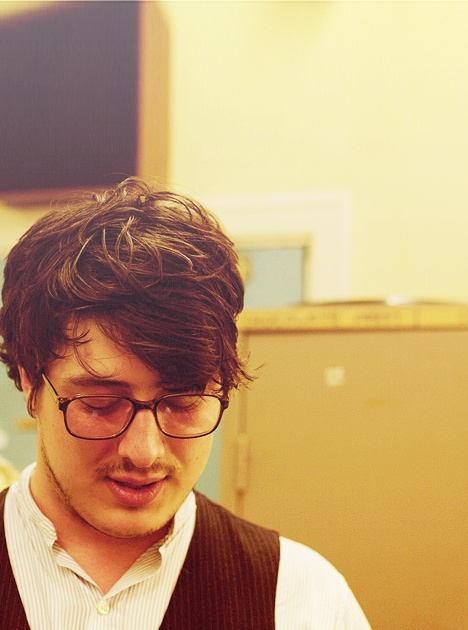 Marcus Mumford with glasses!!! Uh