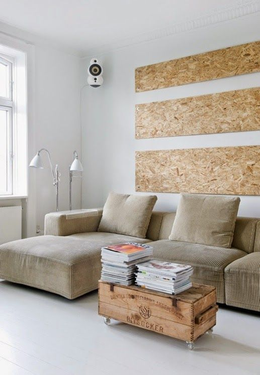 Did you know that OSB can be very decorative? This building material can be easily used in interiors as well. Think shelves, headboard, table top. Think floor and wall covering. OSB is cheap and possibilities are endless. I want to try some little DIY, maybe new table top, maybe just noticeboard. I love its rough look and busy, chaotic pattern. Would you use it in your home? Moja miłość do sklejki jest już znana. Kto by jednak pomyślał, że przerzucę się na kochanie jeszcze bardziej…