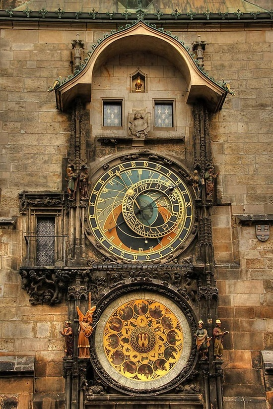 Prague Astronomical Clock, Prague    Brought back memories! a funny story happened under this clock that involves 2 girls and umbrellas. haha