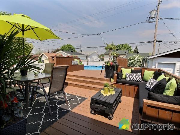 Magnifique propriété au goût du jour, très bien entretenu avec garage 24'x14', piscine avec chauffe-eau,...