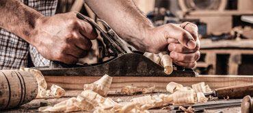 In Zusammenarbeit mit unserer Tischlerei können wir mehr für Sie tun als jedes Möbelhaus. Einbauküchen, Vollholzküchen oder Küchenmöbel. Kennen Sie zeyko?