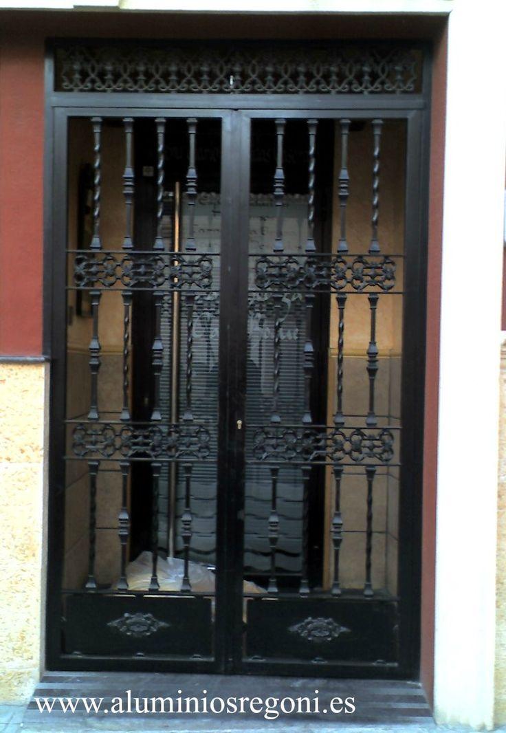 M s de 1000 ideas sobre puerta reja en pinterest rejas for Puertas de entrada de hierro