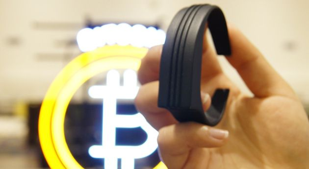 This bracelet lets you flick your wrist to pay with Bitcoin.