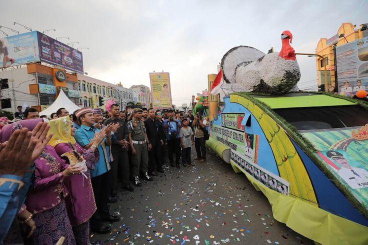 Semarak Jelajah Pawai Budaya Lampung Krakatau Festival 2016