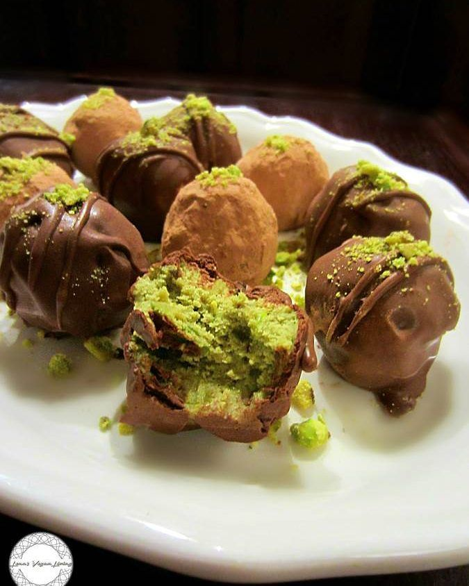 HOLIDAY TRUFFLES   Matcha with Pistachios   Recipe available on my blog   #vegan #recipe #plantbased #dessert #matcha #truffles  #guilltfree #glutenfree #refinedsugarfree #wholefood #organic #matcha #pistachios #chocolate #delicious #nutritious #crueltyfree #holiday #christmas #worldwideveganfood