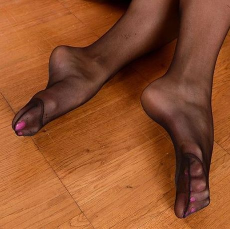 Adult feet personals FOOT FETISH PARTNERS, foot fetish dating, foot fetish personals, feet fetish dating