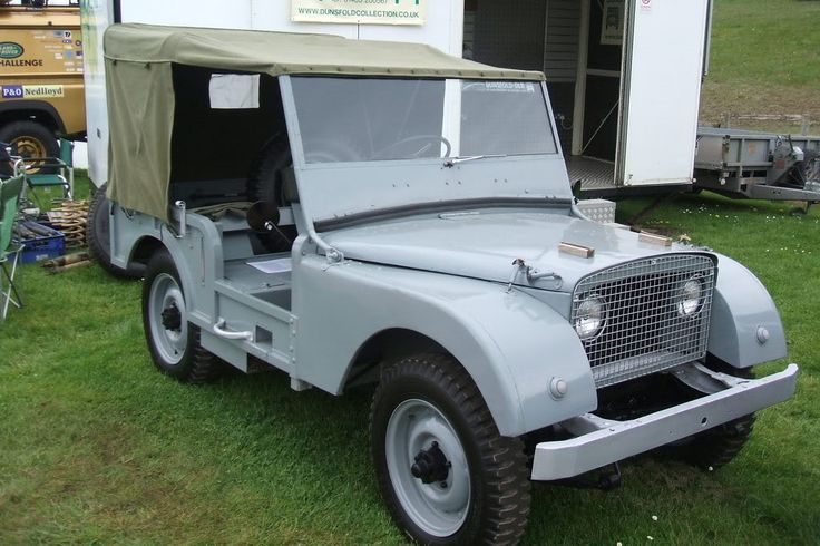 1947 Centre stear Land Rover replica