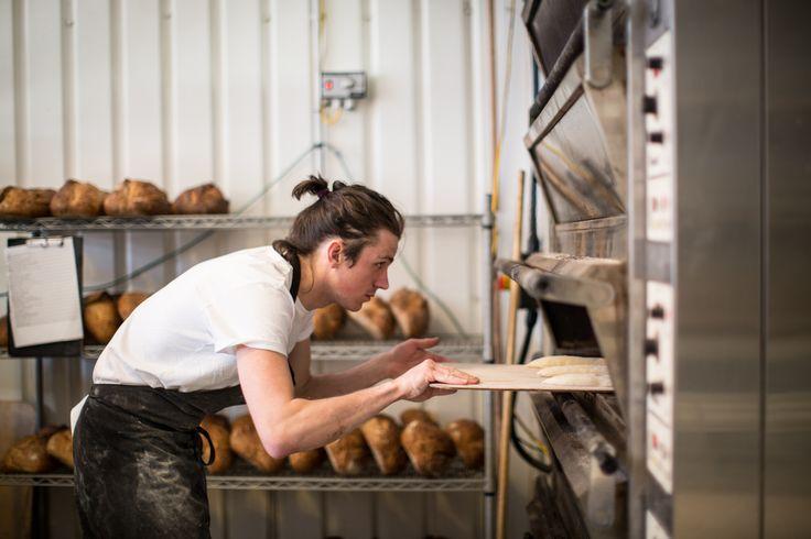 Proses Memanggang Roti Dengan Hasil Sempurna http://www.perutgendut.com/read/proses-memanggang-roti-dengan-hasil-sempurna/5261 #Food #Kuliner #News