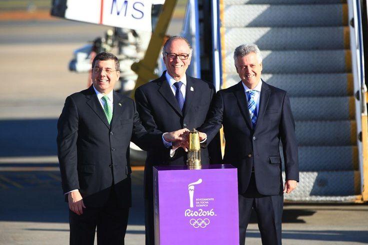 Rafaela Felicciano/Metrópoles  Tocha Olímpica chega a Brasília na preparação para os Jogos do Rio Chama chegou às 7h25. Durante todo o dia, fogo olímpico fará revezamento ao longo de 105km no Distrito Federal