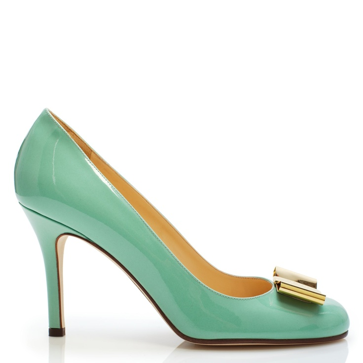 Kate Spade: Mint pump heels with cute gold bow ♥