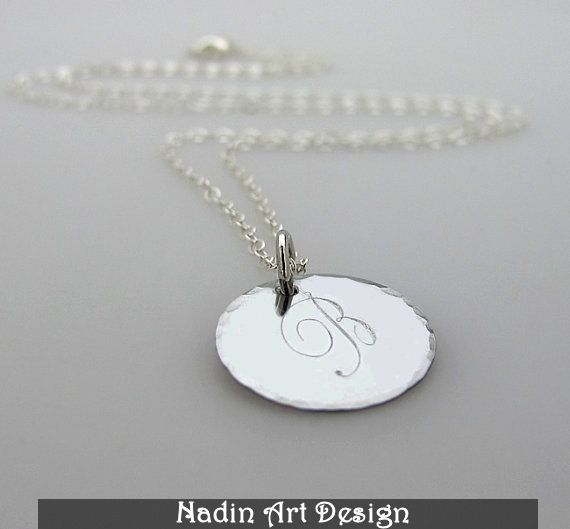 Initiale Halskette. Personalisierter Silberschmuck von EngravedJewelry auf DaWanda.com