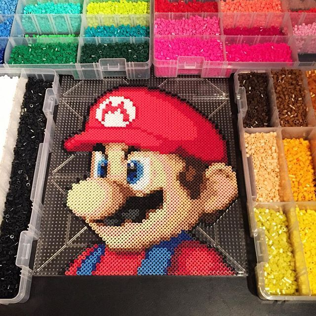 mario en pixel art perle hama pixelart hama pixelart pixel art. Black Bedroom Furniture Sets. Home Design Ideas