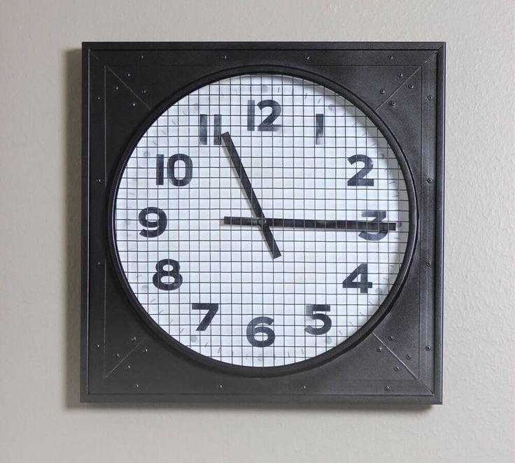 DIY Vintage Gymnasium Clock