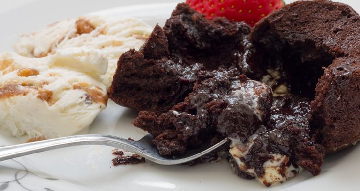 Chocolate Volcanoes http://gustotv.com/recipes/dessert/chocolate-volcanoes/